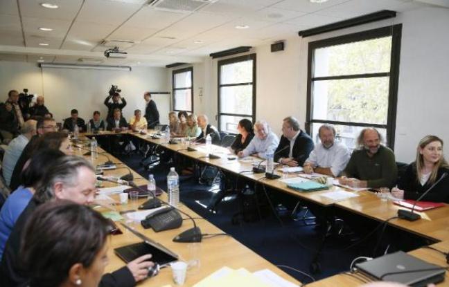 648x415_representants-syndicats-patronat-9-octobre-2014-a-paris-lors-negociation-dialogue-social