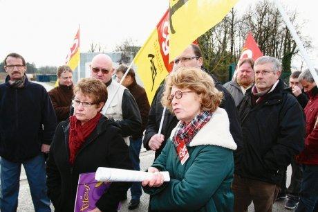 Mobilisation de soutien à Aldo Pometti en 2013 devant les grilles de l'entreprise. Crédit image: SudOuest