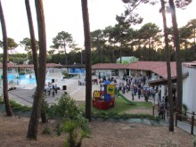 """Apéritif au Centre CCAS de Mathes avec le groupe """"Pêcheurs de notes"""" (chants marins)."""